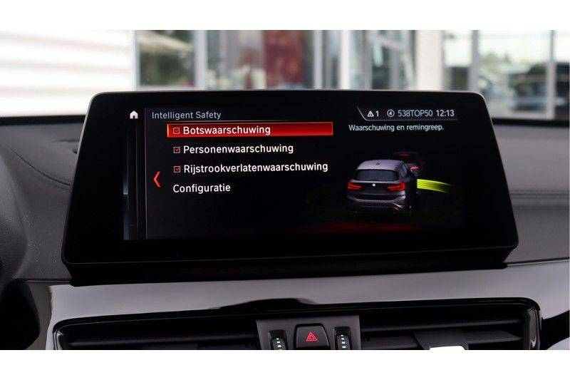 BMW X1 xDrive20i High Executive M Sport Panoramadak, Head-Up Display, Leder, Trekhaak afbeelding 25