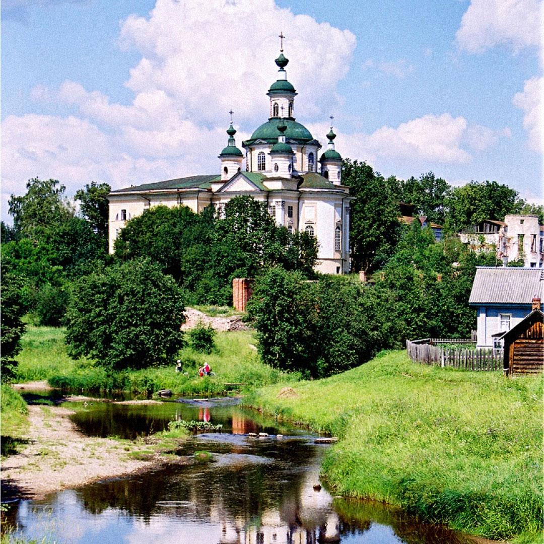 Городок вВологодской области Тотьма, куда всвоем путешествии заехал автор книги «Повесть одвух головах» Михаил Бару