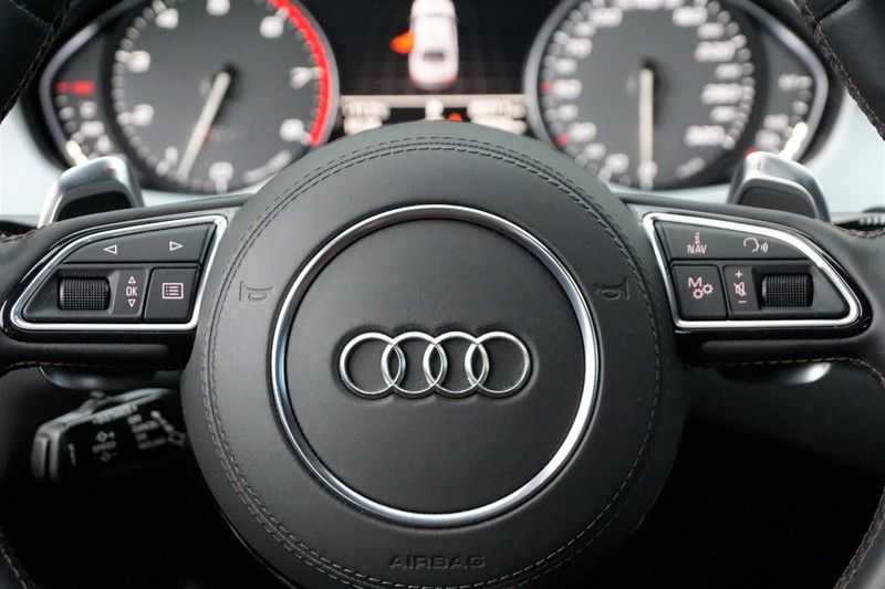 Audi S8 4.0 TFSI quattro Pro Line+ / B&O / Nightvision / Side- & Lane assist / Schuifdak / Head-Up afbeelding 24