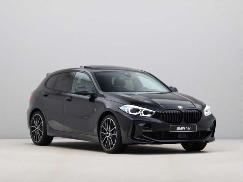 BMW 1 Serie 118i High Exe M-Sport Aut. afbeelding 6