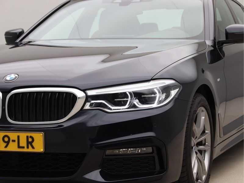 BMW 5 Serie 520i High Executive M-Sport afbeelding 20