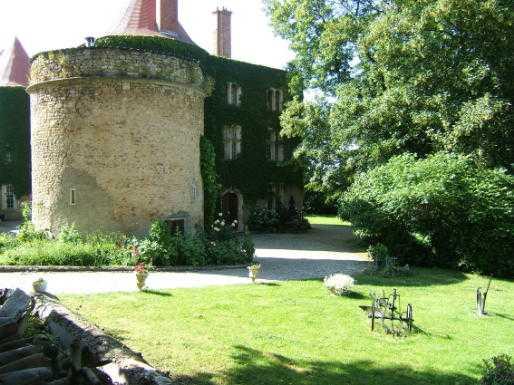 Château de Morey extérieur ancien