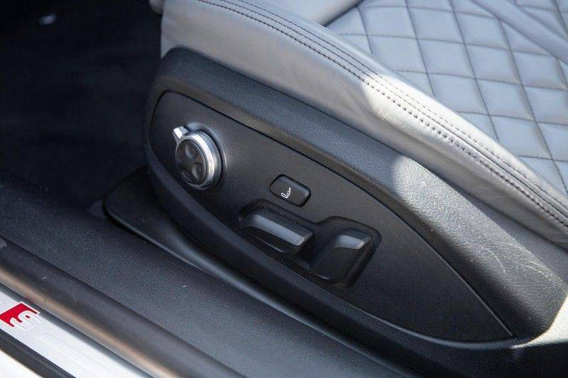 Audi A5 Cabriolet 3.0 TFSI S5 quattro   354 PK   S-Line   B&O Sound   Assistentie City-Parking   S-Sportstoelen   Virtual Cockpit   Keyless-entry   Massage-Stoelen   afbeelding 25