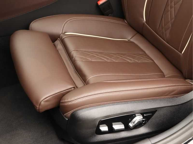 BMW 5 Serie Touring 530d High Exe M-Sport Face-lift ! afbeelding 11