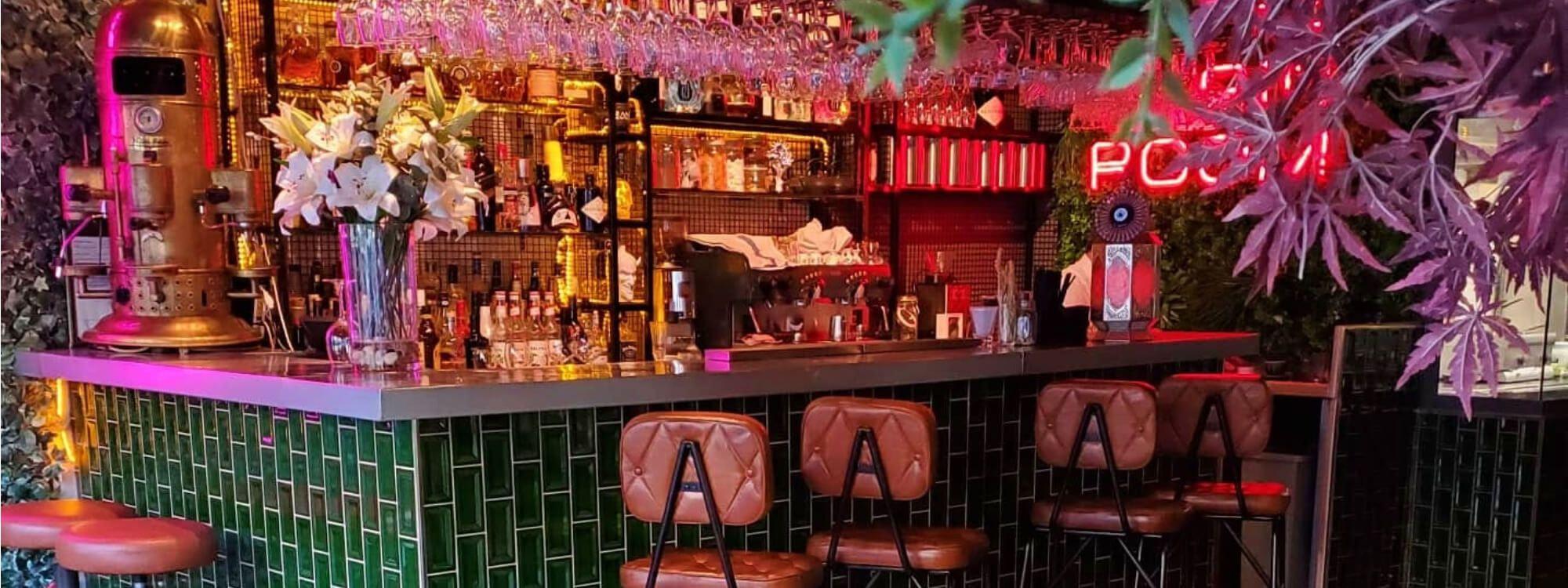 Santorini Bar & Grill