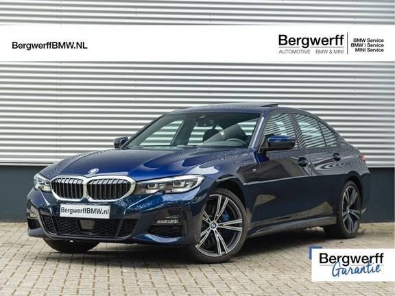 BMW 3 Serie 330e M-Sport - Individual - Dak - ACC - Harman Kardon - Trekhaak