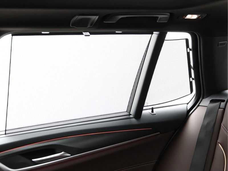 BMW 5 Serie Touring 530d High Exe M-Sport Face-lift ! afbeelding 20