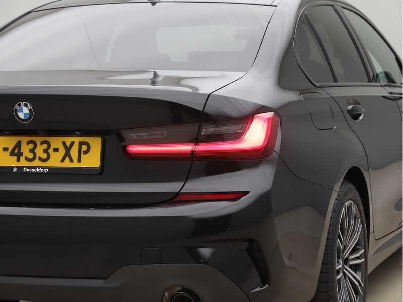 BMW 3 Serie 320e High Exe M-Sport Hybrid afbeelding 13