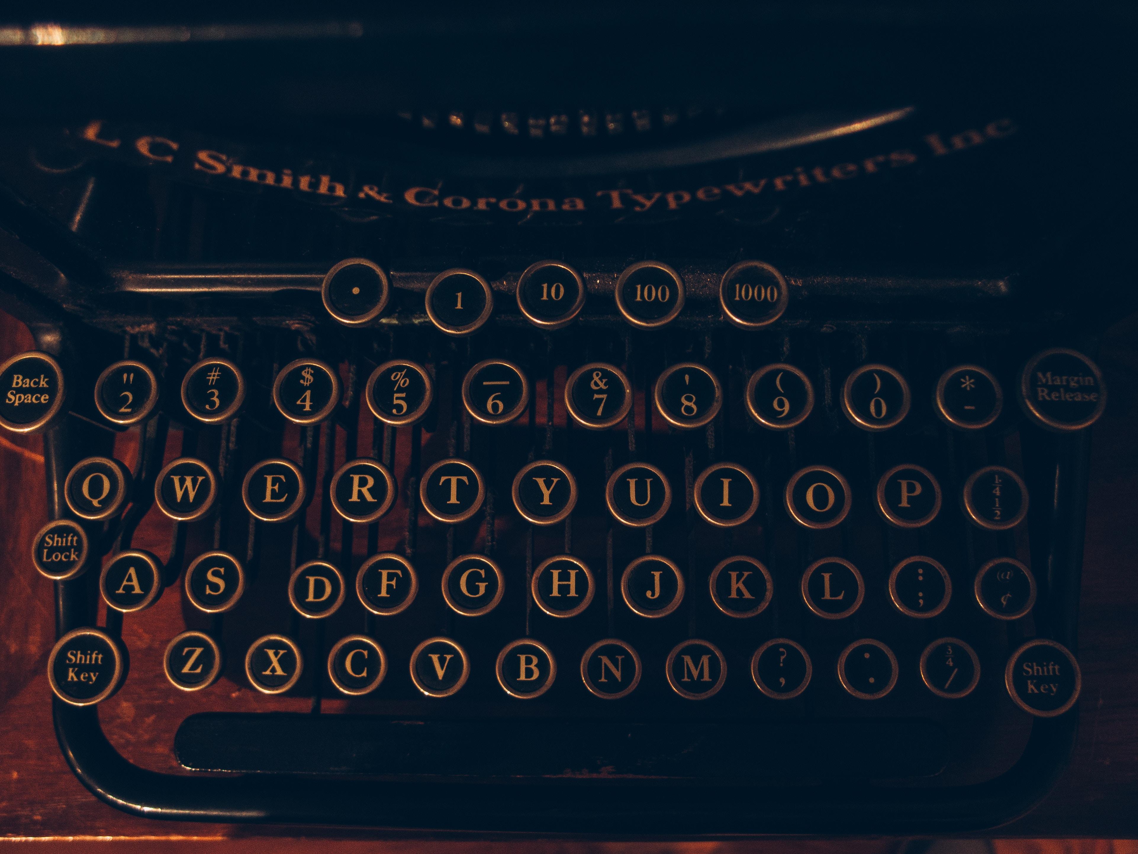 Imagem de uma máquina de escrever