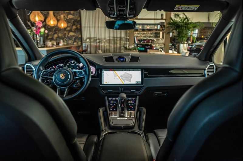 Porsche Cayenne E-Hybrid | Sport-Chrono | Panorama | BOSE | PASM | Adaptieve Sportstoelen afbeelding 19
