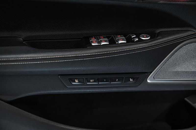 BMW 7 Serie 740e iPerformance M sport | €49.000,- Ex BTW| NP€135.000,-| Massagestoelen | Soft close | 20 inch | Surround view | Harman kardon afbeelding 4