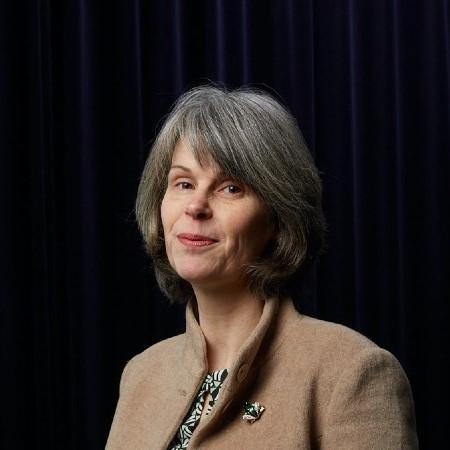 Esther Schmal