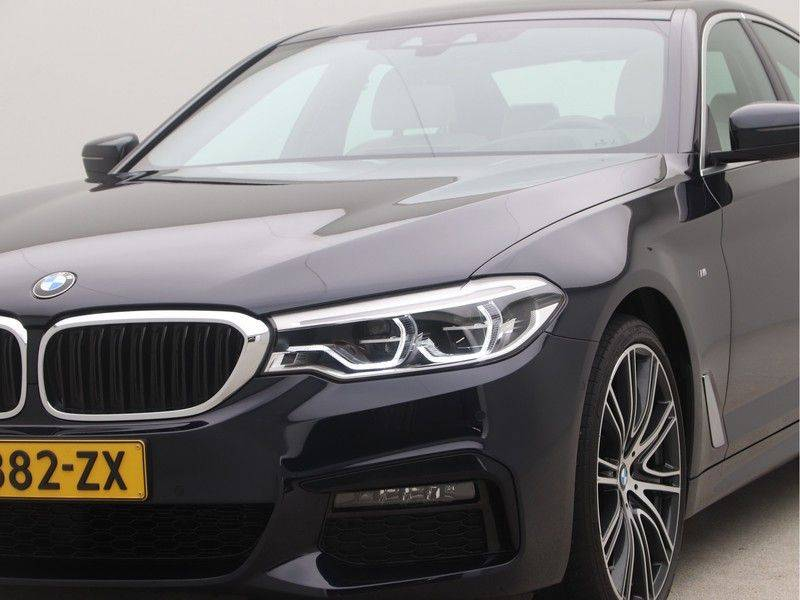 BMW 5 Serie Sedan 540i High Executive M-Sport Automaat afbeelding 22