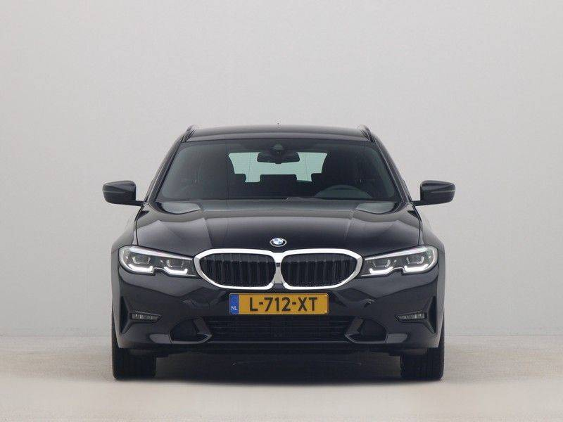 BMW 3 Serie Touring 318i Executive Sport Line Automaat afbeelding 6