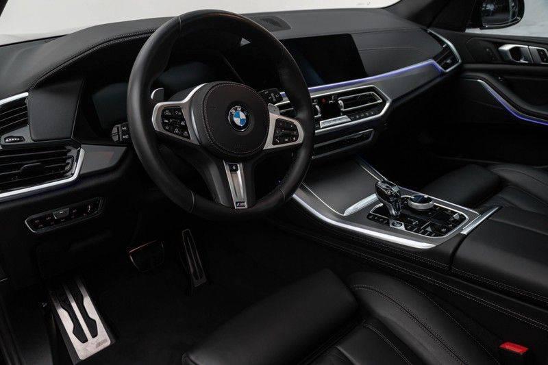 "BMW X5 M40i xDrive 340pk Panoramadak VirtualCockpit ShadowLine Sportleder+Memory Head-Up Hifi Luchtvering ACC Laserlicht AmbientLight Keyless Sportuitlaat 22"" 360Camera ParkAssist Pdc afbeelding 3"