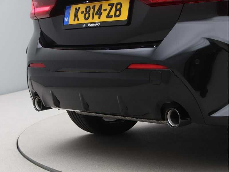 BMW 1 Serie 120i High Exe M-Sport Aut. afbeelding 22