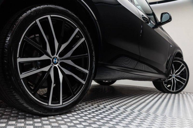 "BMW X5 M40i xDrive 340pk Panoramadak VirtualCockpit ShadowLine Sportleder+Memory Head-Up Hifi Luchtvering ACC Laserlicht AmbientLight Keyless Sportuitlaat 22"" 360Camera ParkAssist Pdc afbeelding 13"