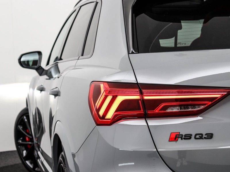Audi Q3 Sportback TFSI RS 400 pk | Pano.Dak | Camera | Adapt.Cruise | Trekhaak| | Zwart Optiek | Alcanatara | RS Dynamic | afbeelding 21