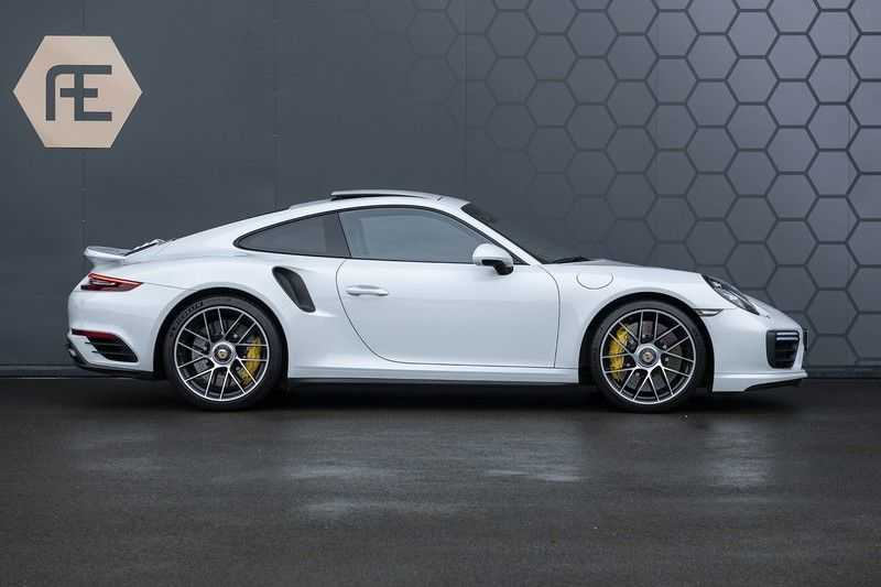 Porsche 911 Turbo S 991.2 3.8 Carbon seats + Keramisch + 4-wiel best. + NP € 331.000,- + Dak + Carbon + Bose + Carplay + ACC afbeelding 3