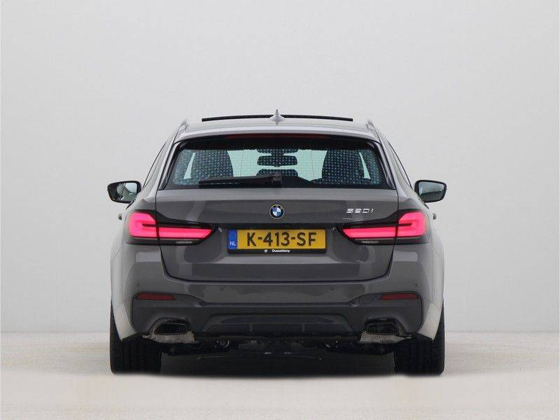 BMW 5 Serie Touring 520i High Executive M-Sport Automaat afbeelding 10