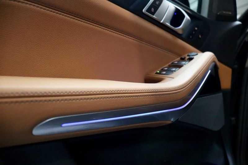 BMW X5 xDrive30d High Ex M-Sport NL|1Eig|22''|Shadow|HuD afbeelding 7