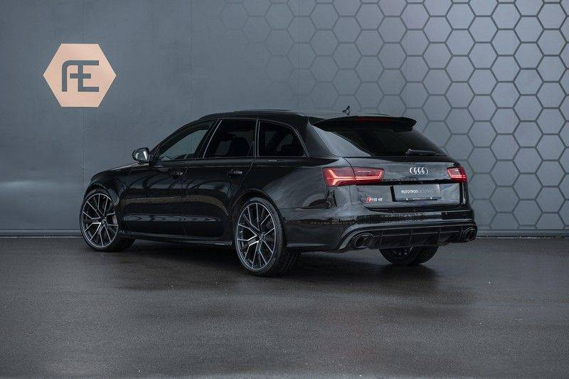 Audi RS6 Performance 605pk Akrapovic Keramische Remmen + Akrapovic + Carbon ext+int + BTW-auto GARANTIE T/M 2022 afbeelding 2
