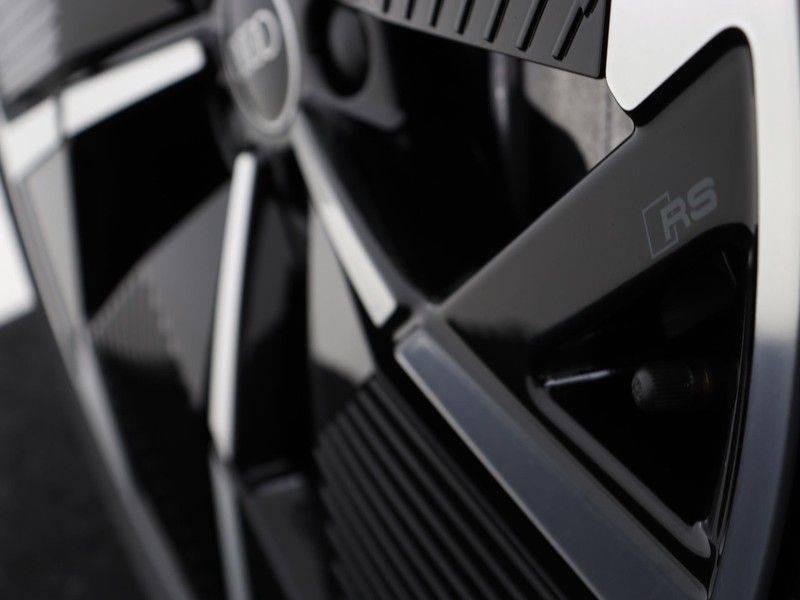 Audi Q4 40 e-tron Launch edition S Competition | Panoramadak | Lederen bekleding | Sonos | Head-up display afbeelding 23