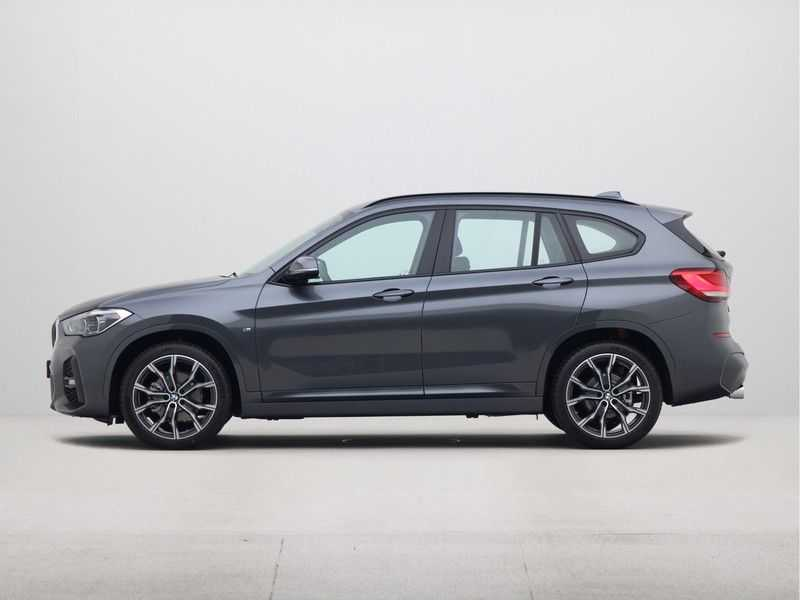 BMW X1 sDrive18i Executive Edition M-Sport Automaat afbeelding 8