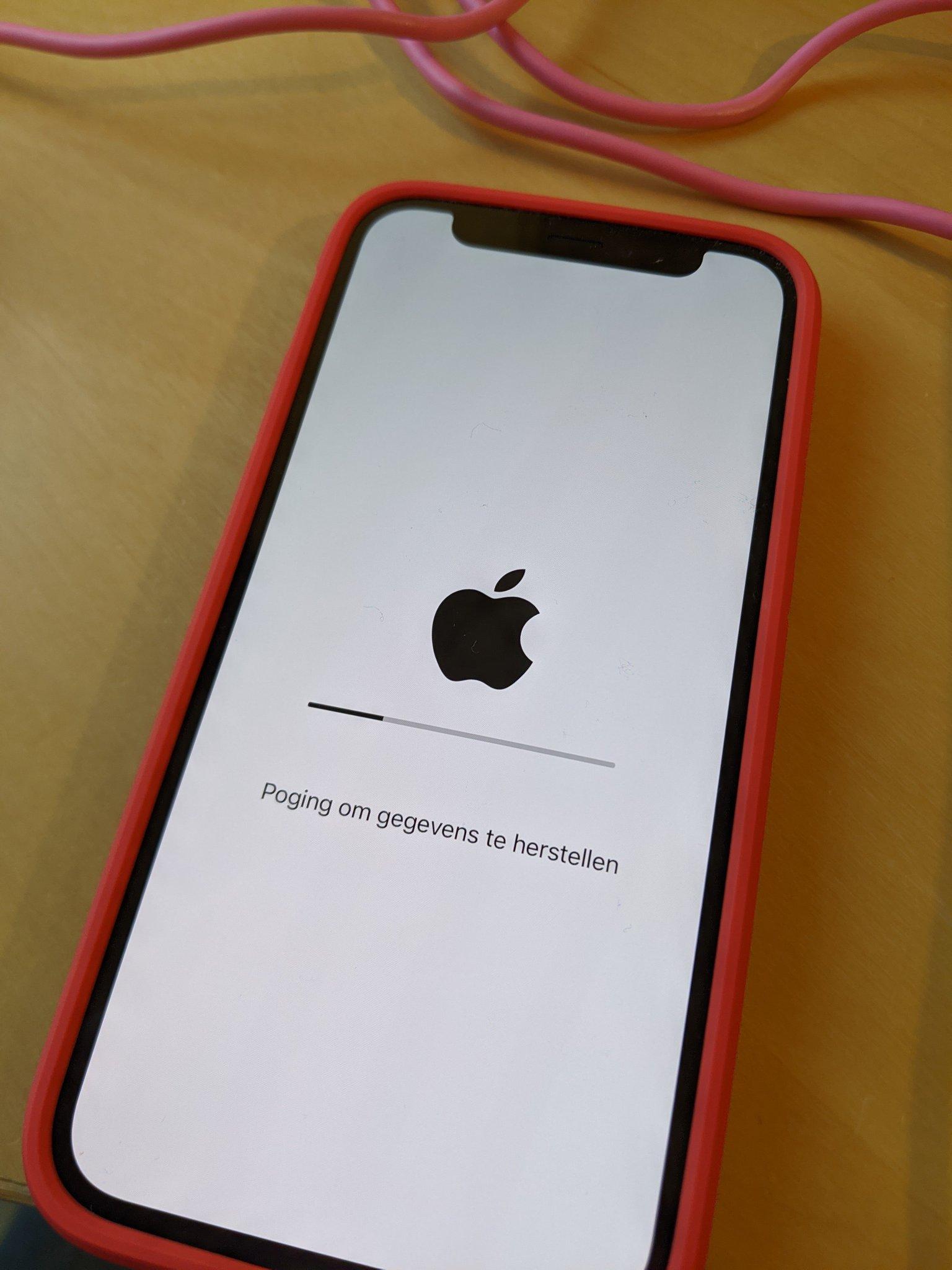 iPhone die probeert om gegevens te herstellen