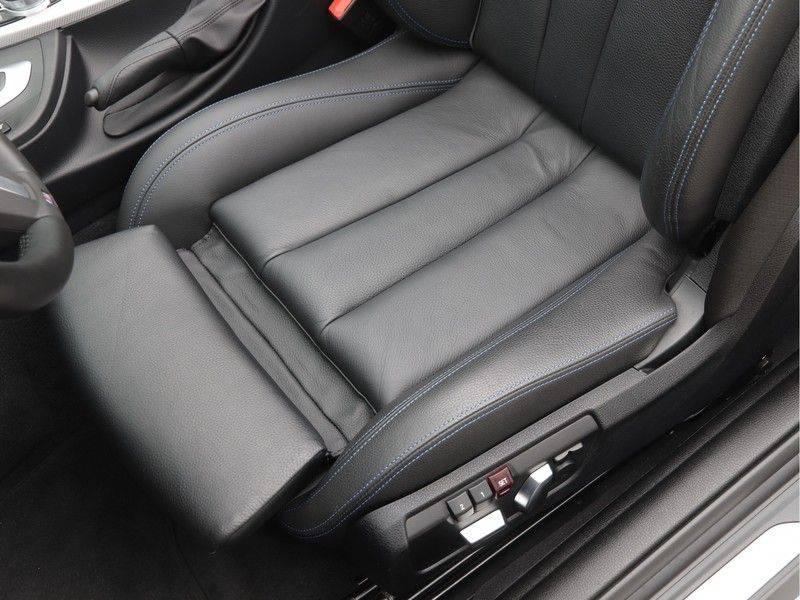 BMW 4 Serie Cabrio 430i High Exe M-Sport afbeelding 4