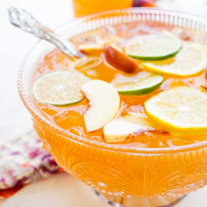 Spiced Peach Punch Cocktail