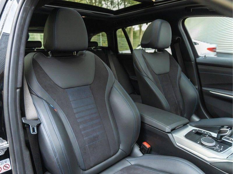 BMW 3 Serie Touring 330e xDrive M-Sport - Panorama - Harman Kardon - Active Cruise afbeelding 16