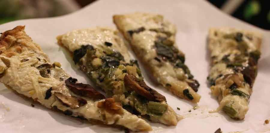 Newest Daiya Pizza with white sauce