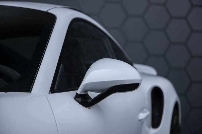 Porsche 911 Turbo S 991.2 3.8 Carbon seats + Keramisch + 4-wiel best. + NP € 331.000,- + Dak + Carbon + Bose + Carplay + ACC afbeelding 16