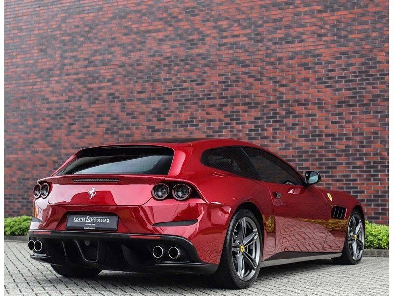 Ferrari GTC4 6.3 V12 Lusso *Panoramadak*passagiers display* afbeelding 9