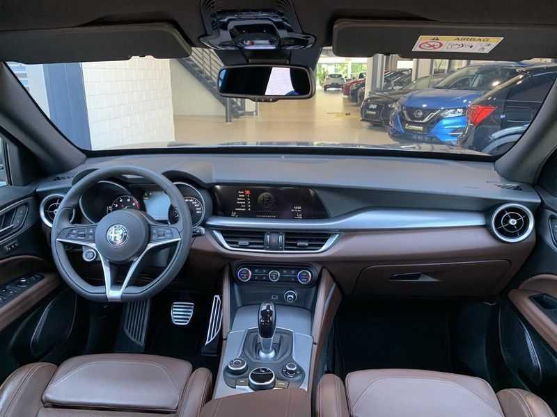 Alfa Romeo Stelvio 2.0 T AWD Super Veloce pack | Sportstoelen | Trekhaak | Adaptive cruise control | Leer afbeelding 12