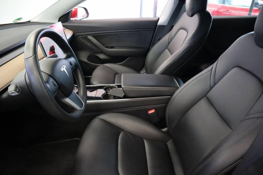 "Tesla Model 3 Long Range | prijs ex.btw 43.760,- | FSD! Rood Zwart Navigatie 18""LM 4% Bijtelling Privacy glas 351 PK! afbeelding 8"