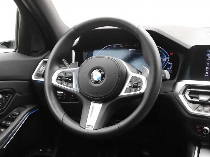 BMW 3 Serie Touring 330e xDrive Exe M-Sport Hybrid afbeelding 6