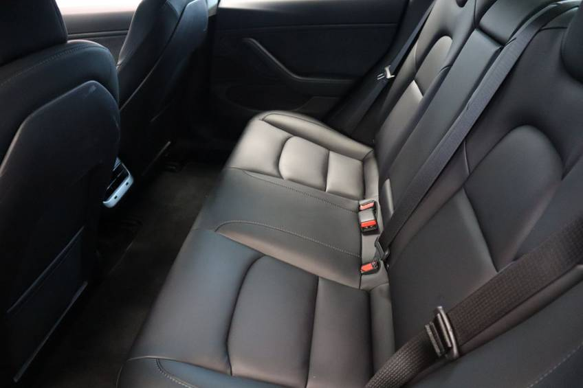 "Tesla Model 3 Long Range | prijs ex.btw 43.760,- | FSD! Rood Zwart Navigatie 18""LM 4% Bijtelling Privacy glas 351 PK! afbeelding 23"
