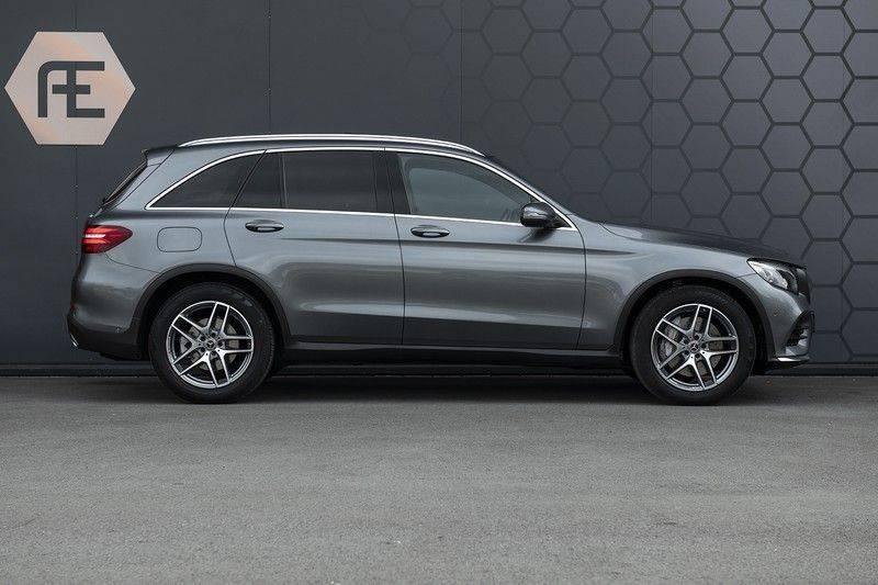 Mercedes-Benz GLC 350d AMG 4MATIC Premium Plus GLC Apple CarPlay + Verwarmde stoelen + Elektrische trekhaak + Panorama Dak afbeelding 7