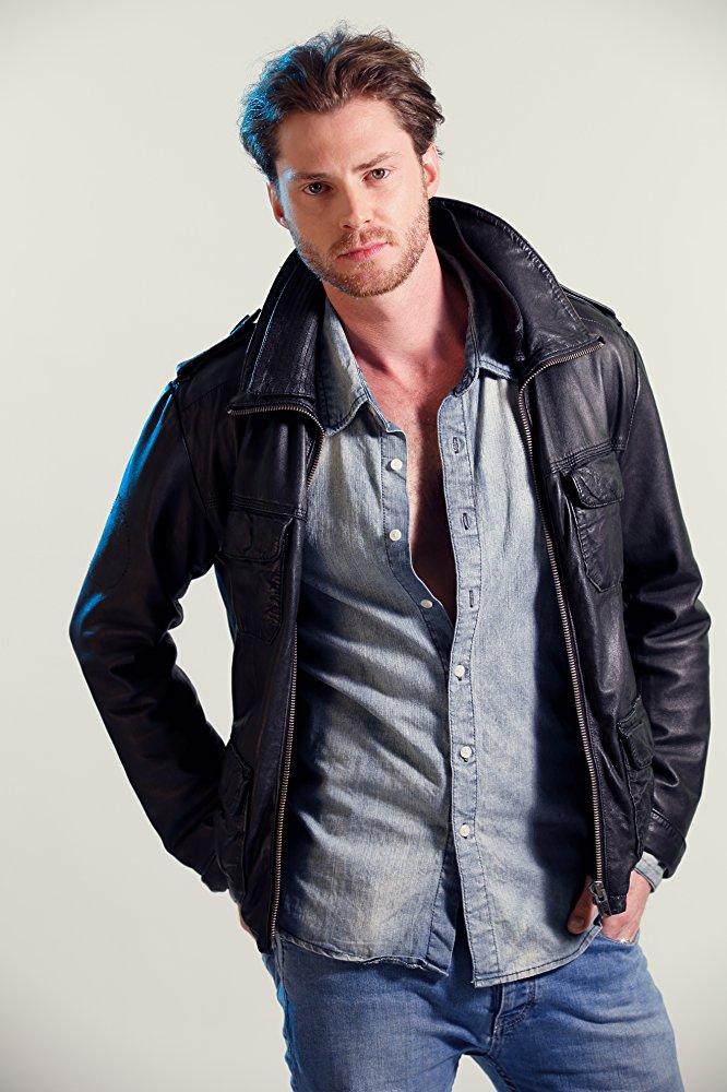 Picture of actor Rhys Hamlyn.