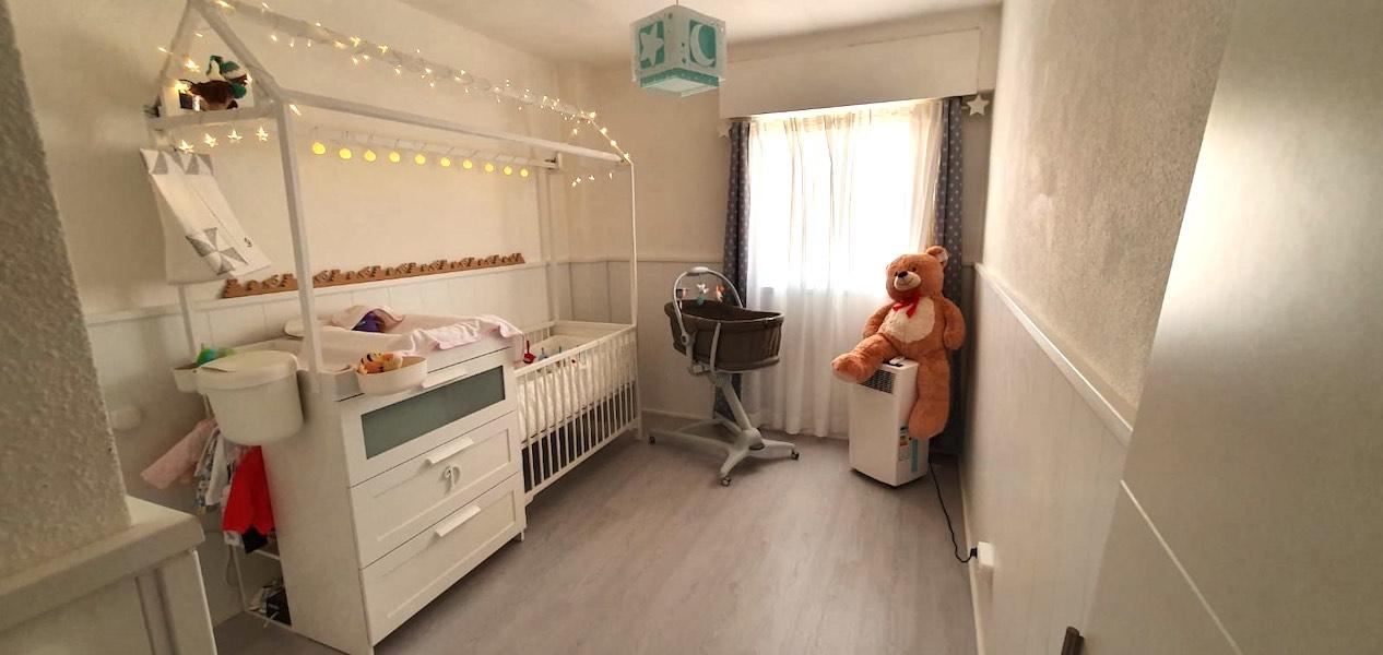 dormitorio recién nacido dosel