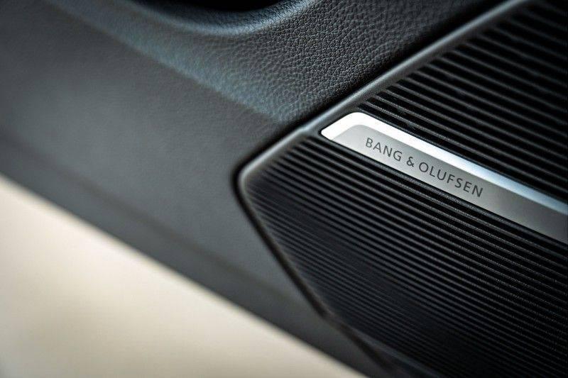 Audi Q8 60 TFSI e quattro Competition | Audi Exclusive | Massage | Head up | Leder Valcano | Tour | City | 360 | Nachtzicht | Pano| Soft afbeelding 13