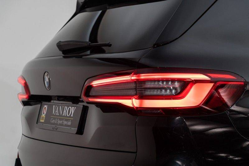 "BMW X5 M40i xDrive 340pk Panoramadak VirtualCockpit ShadowLine Sportleder+Memory Head-Up HarmanKardon Luchtvering Laserlicht AmbientLight Keyless Sportuitlaat 22"" 360Camera ParkAssist Pdc afbeelding 8"