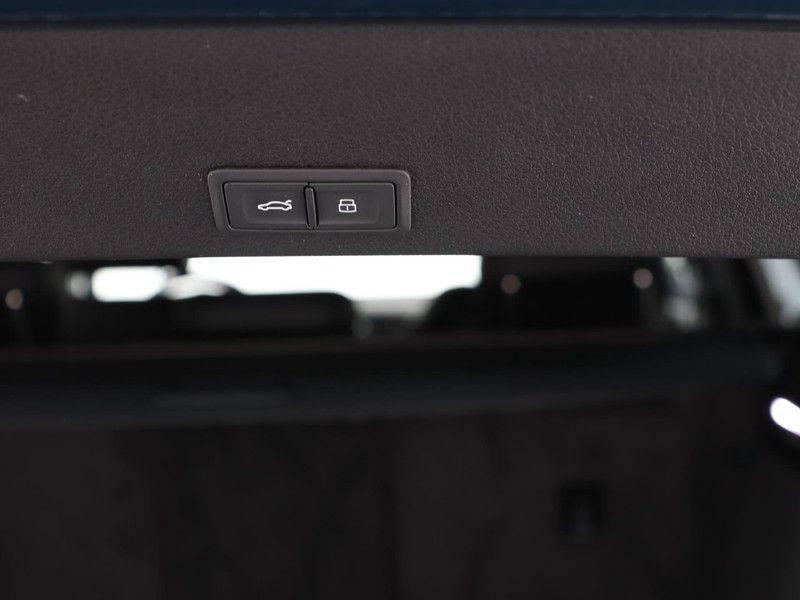 Audi e-tron 55 Quattro Incl. BTW | +/- €130 netto bijtelling| Camerabeeld spiegels | Adapt. Cruise | NAVI | Head-Up Display | 21 Inch | Matrix LED | 360 Camera | B&O | DAB | Keyless-Entry | Pano-Dak | afbeelding 17