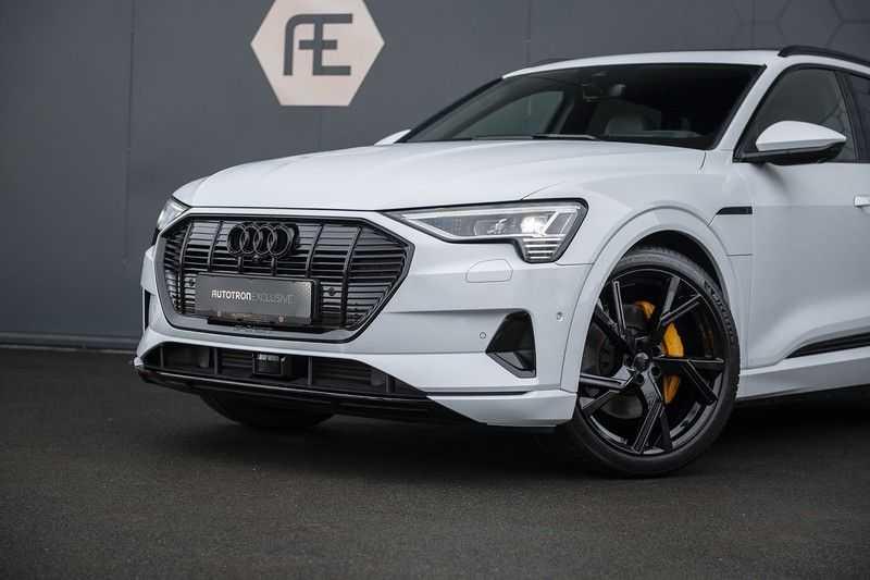 "Audi e-tron e-tron 55 quattro advanced Pro Line S 4% bijtelling!! DEC. 2018!! € 146,- netto bijtelling pm! Head-up + B&O etc. Tot januari 2024 4% bijtelling!! Prijs inclusief 22"" velgen afbeelding 6"