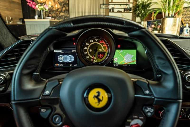 Ferrari 488 3.9 GTB HELE | Carbon | Passenger Display | Lifting | NP350.000,- afbeelding 24