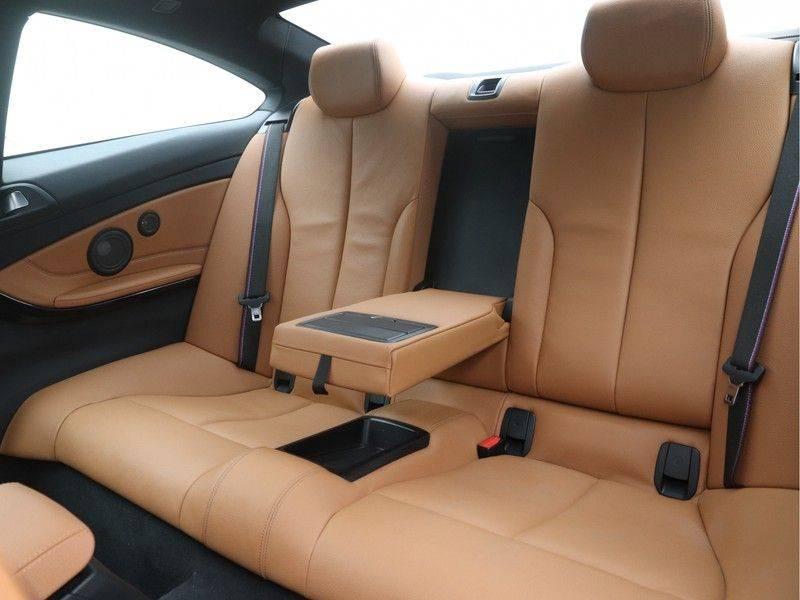 BMW 4 Serie Coupé 440i High Executive M-Sport afbeelding 15