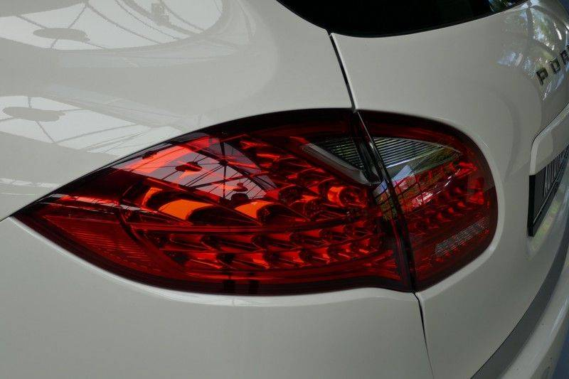 Porsche Cayenne 4.8 S Panoramadak afbeelding 16