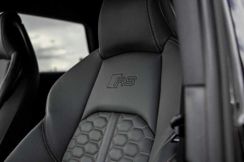 Audi A4 Avant 2.9 TFSI RS4 quattro   450PK   Style pakket Brons   Keramische remschijven   RS Dynamic   B&O   Sportdifferentieel   280 km/h Topsnelheid   afbeelding 19